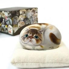 Декоративный камень ручной росписи кошка Лейди