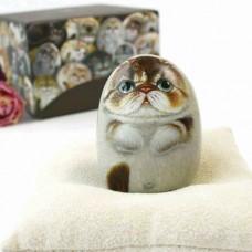 Художественный камень авторской росписи кот Лео
