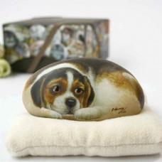 Декоративный камень ручной росписи щенок Сэм